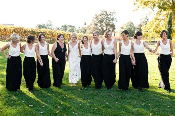 Image by Carmen Salazar via Grey Likes Weddings