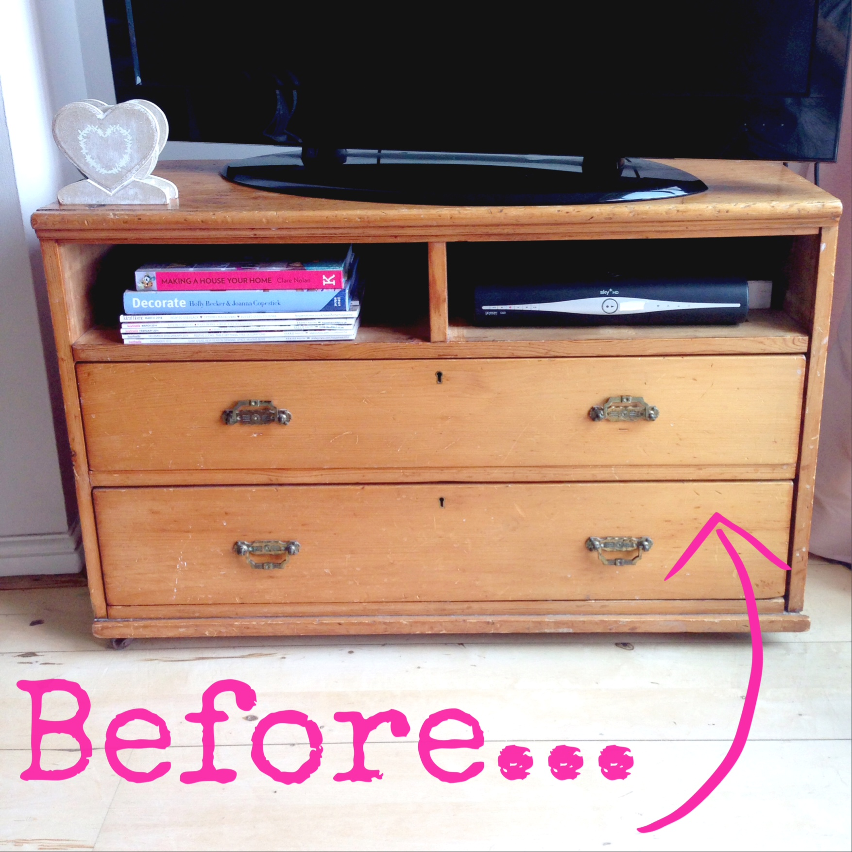getting crafty an upcycled chest diy glitter wall art the utter blog. Black Bedroom Furniture Sets. Home Design Ideas